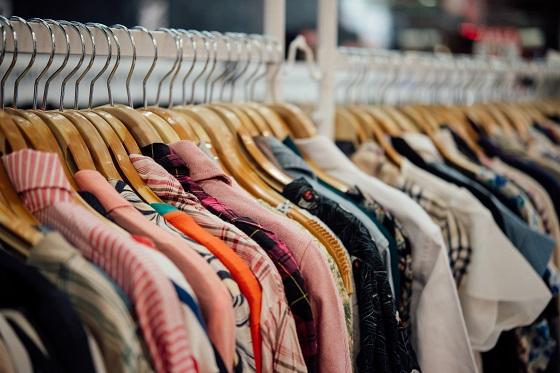 shop-clothing-clothes-shop-hanger-modern-shop-.jpg